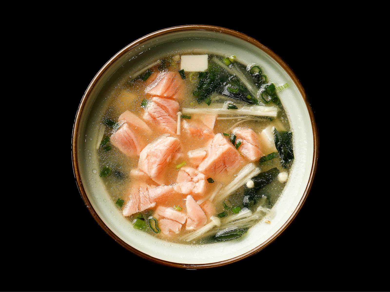 Мисо суп с грибами эноке и лососем