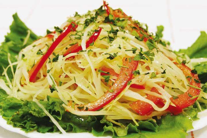 Салат лёгкий с капустой и соусом \