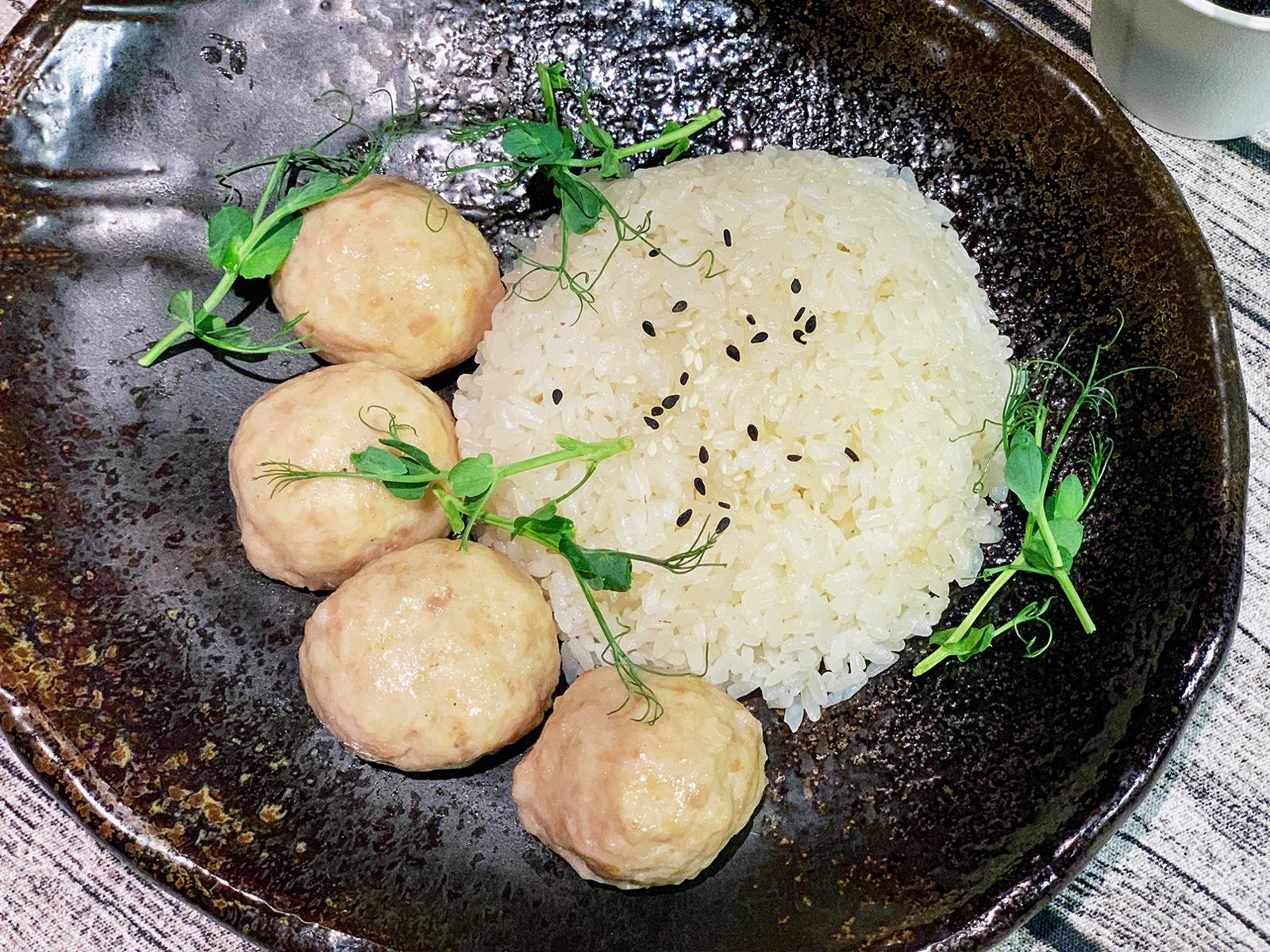 Куриные котлетки с рисом