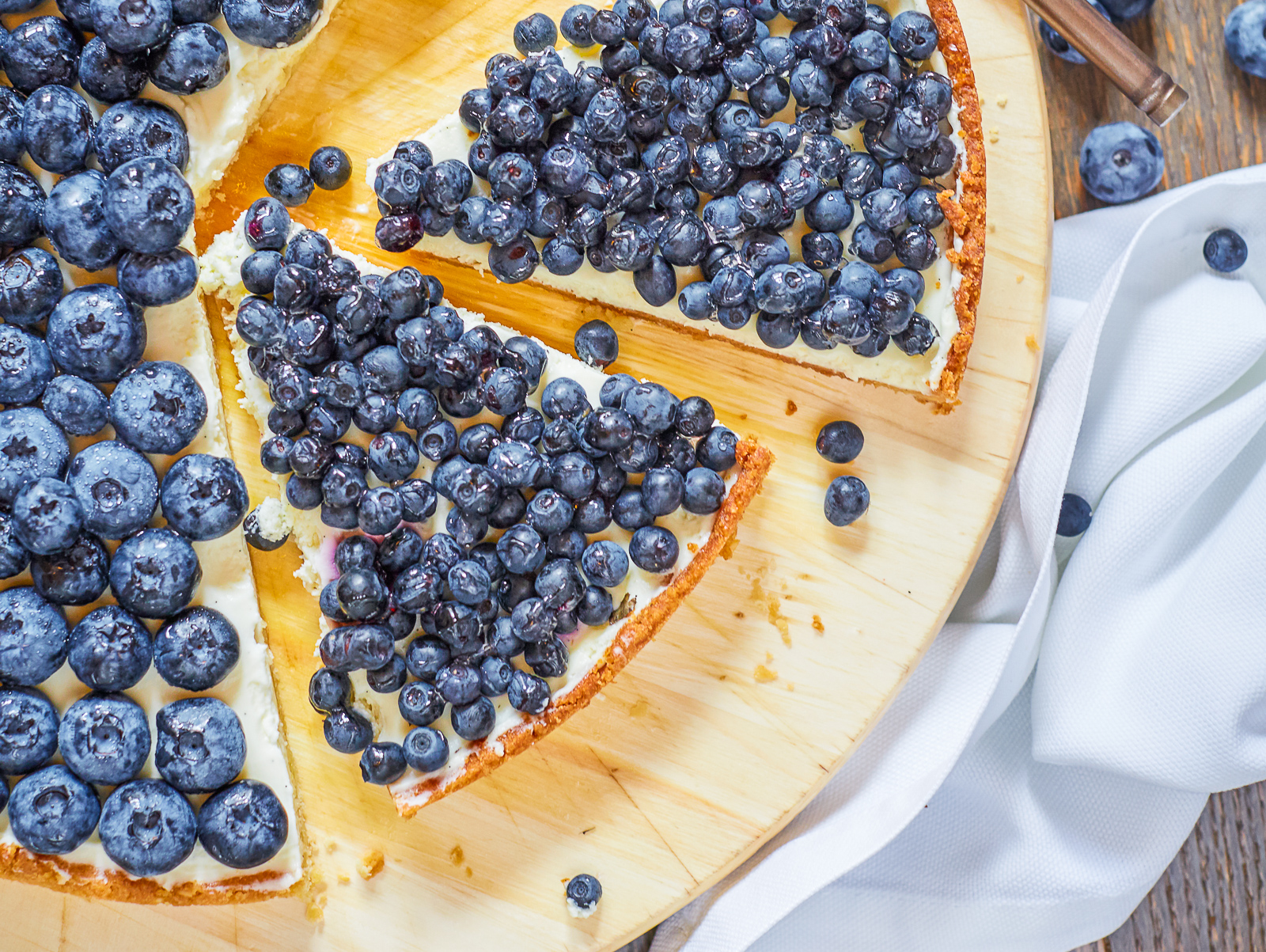 Пирог со свежей голубикой