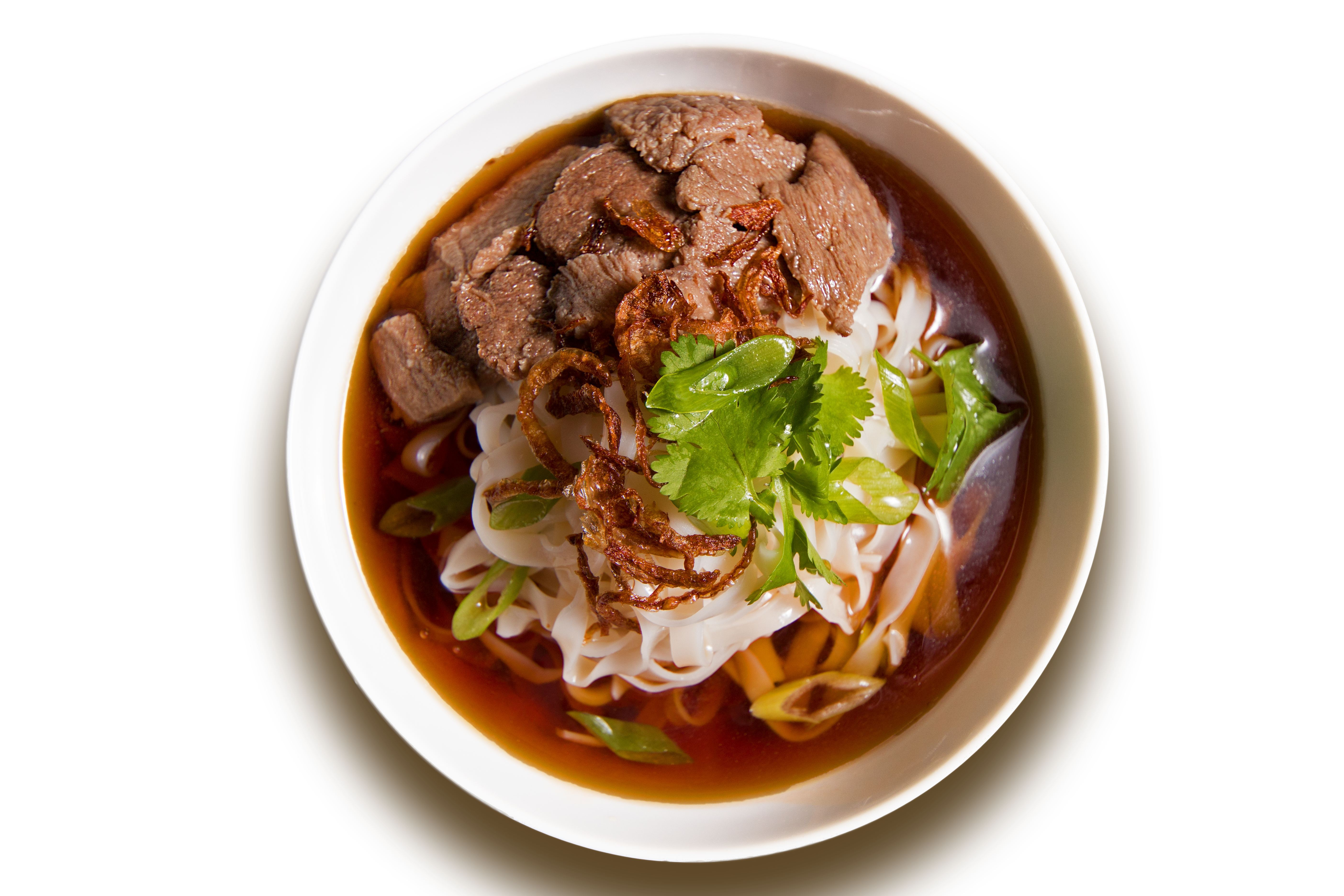 Суп-лапша с говядиной и бадьяном