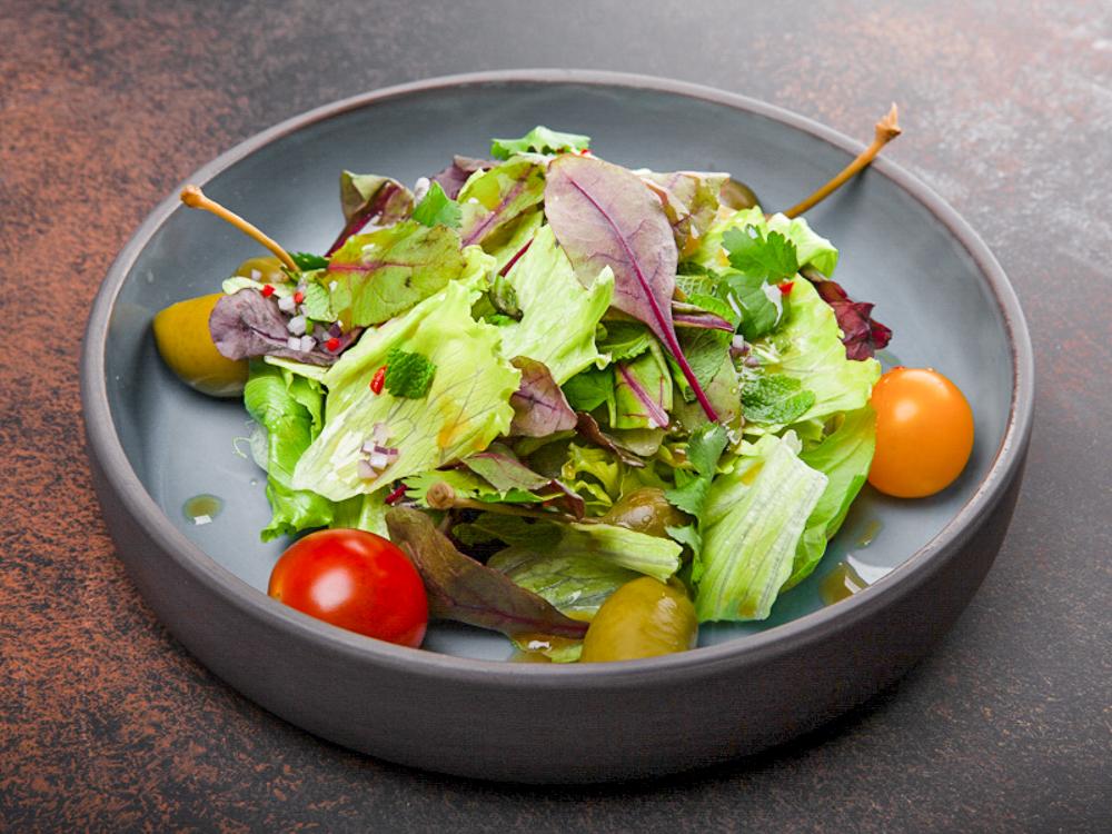 Салат с мятой и шалфеем