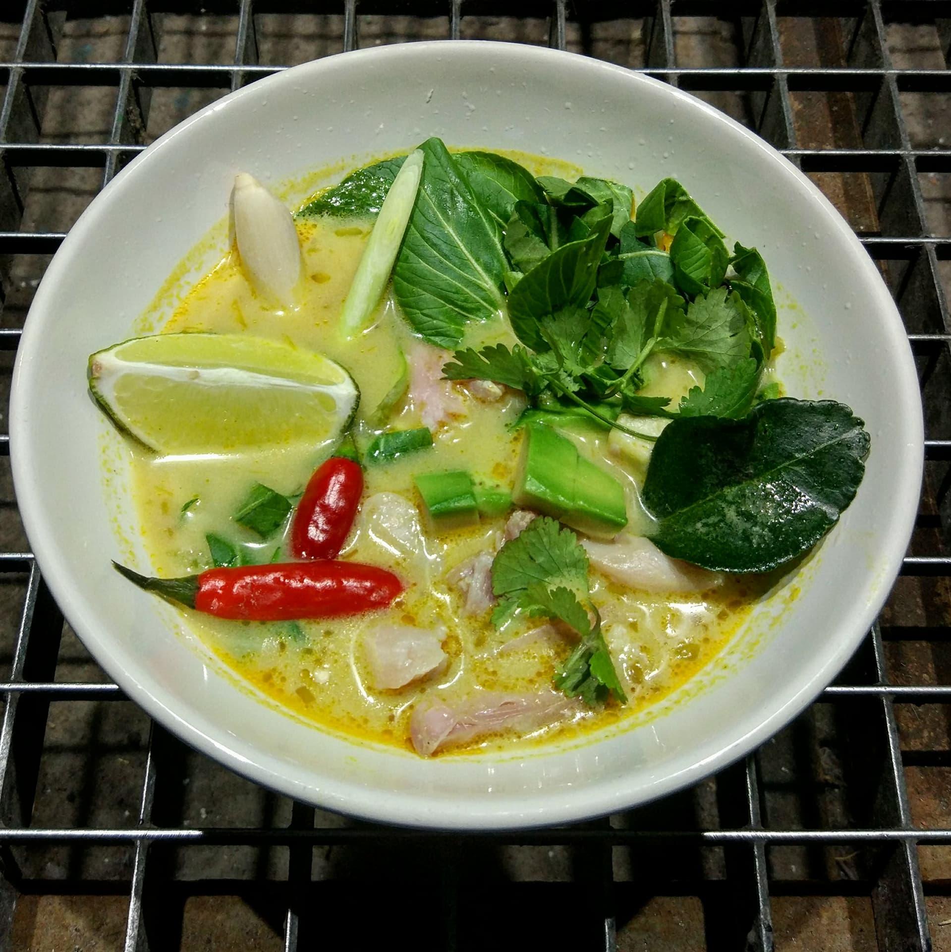 Суп Кань карри с курицей