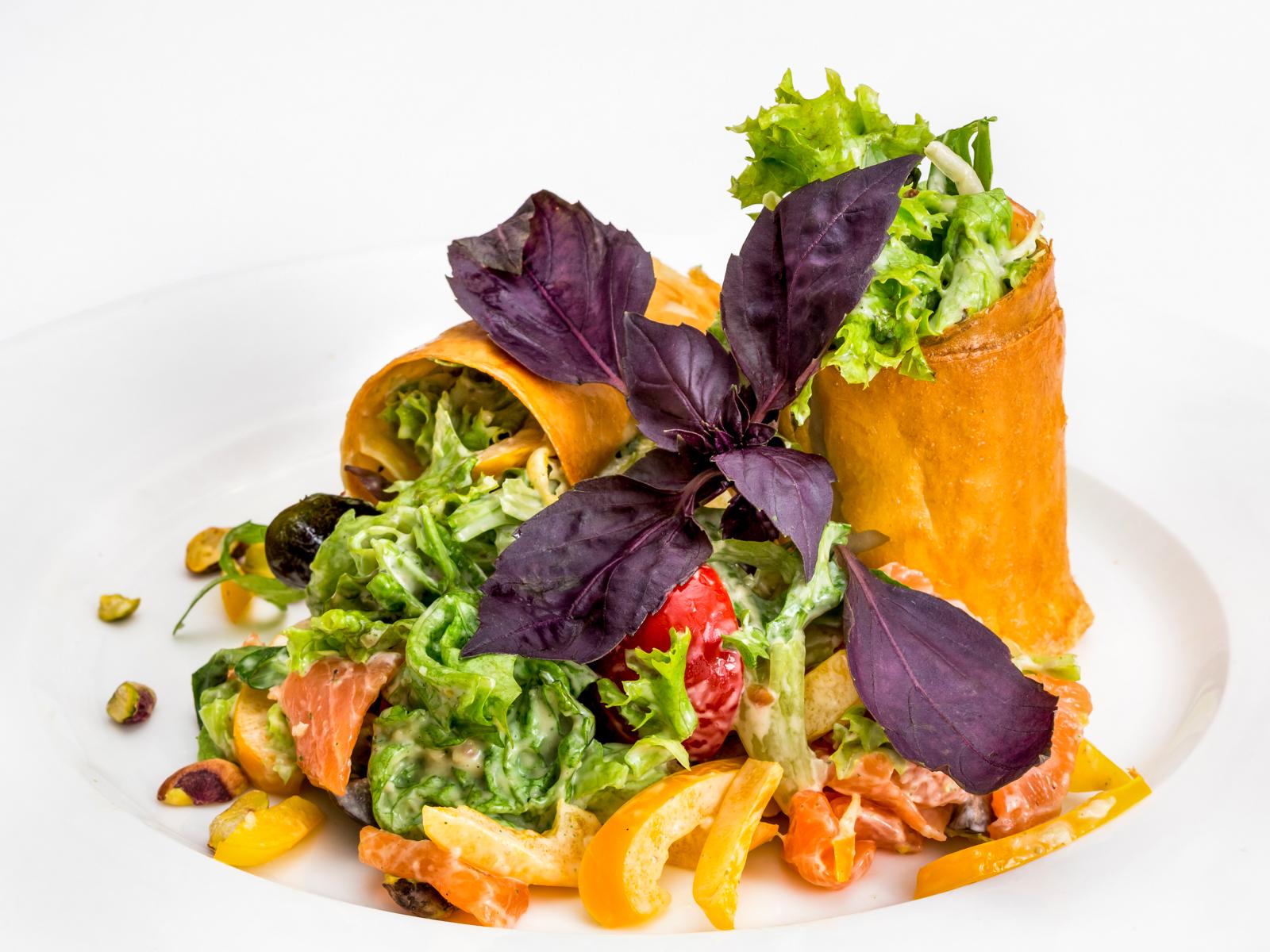 Фреш-салат с лососем