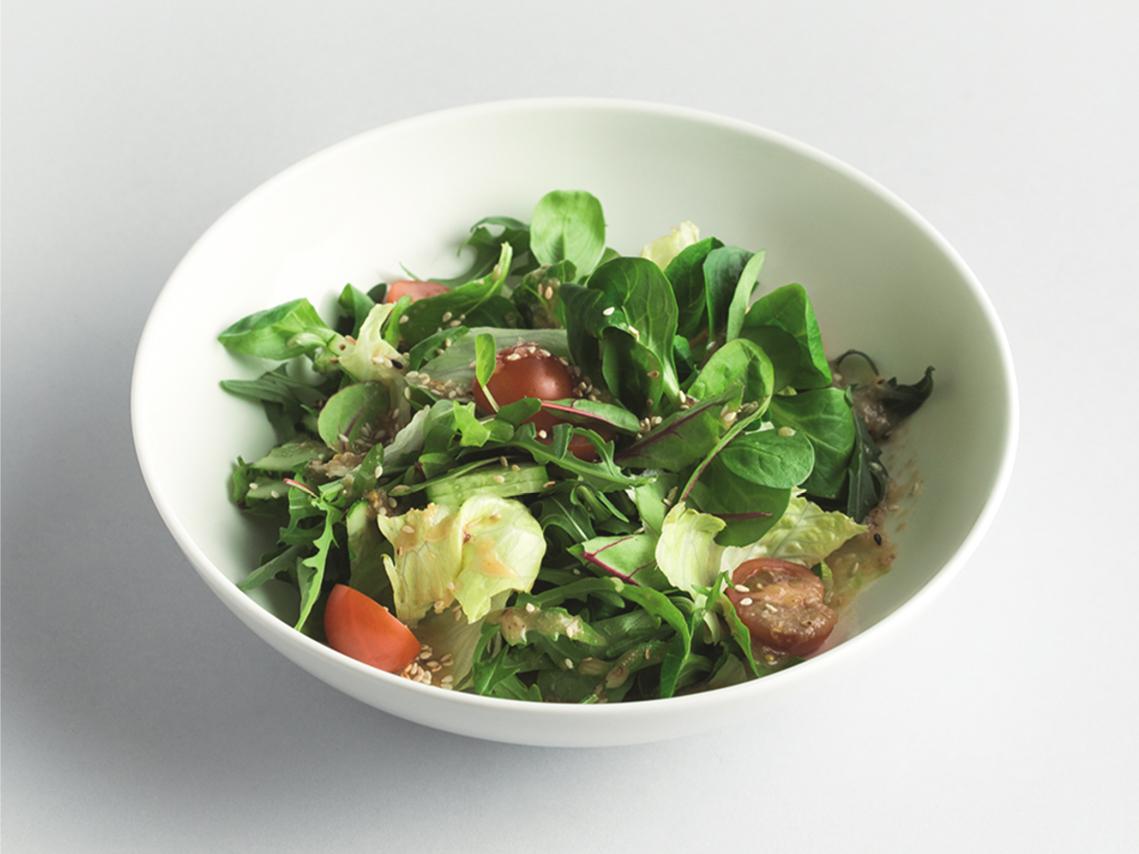 Салат Зеленый с томатами