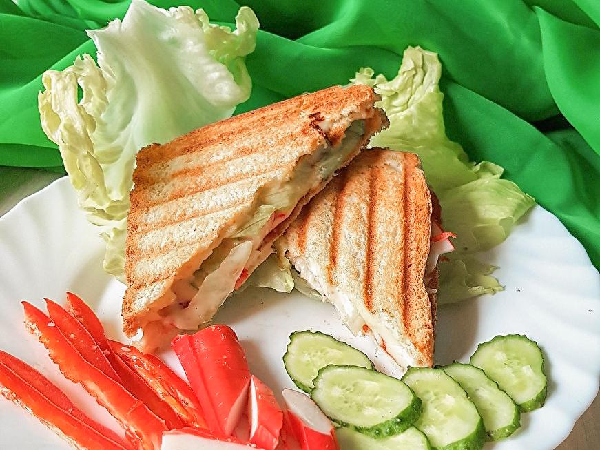 Гриль-сэндвич с крабовым мясом