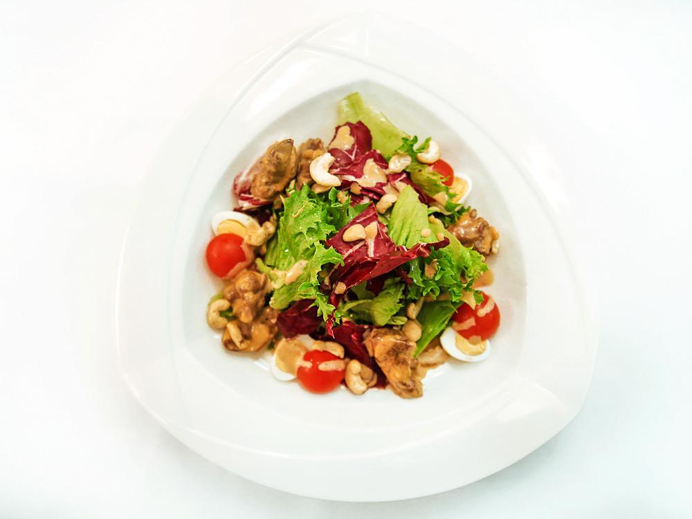 Тёплый салат с куриной печенью