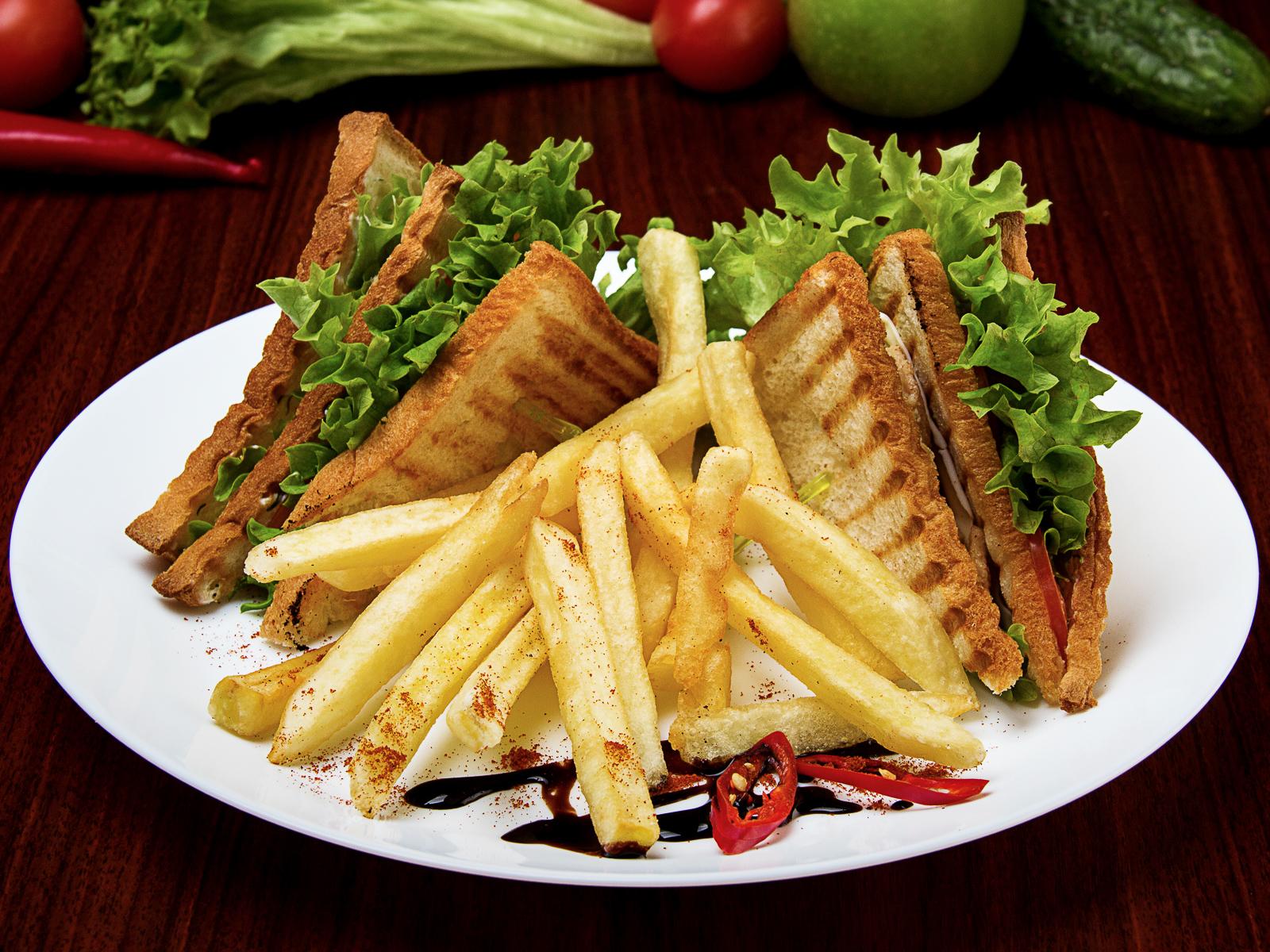 Сэндвич-клаб с курицей