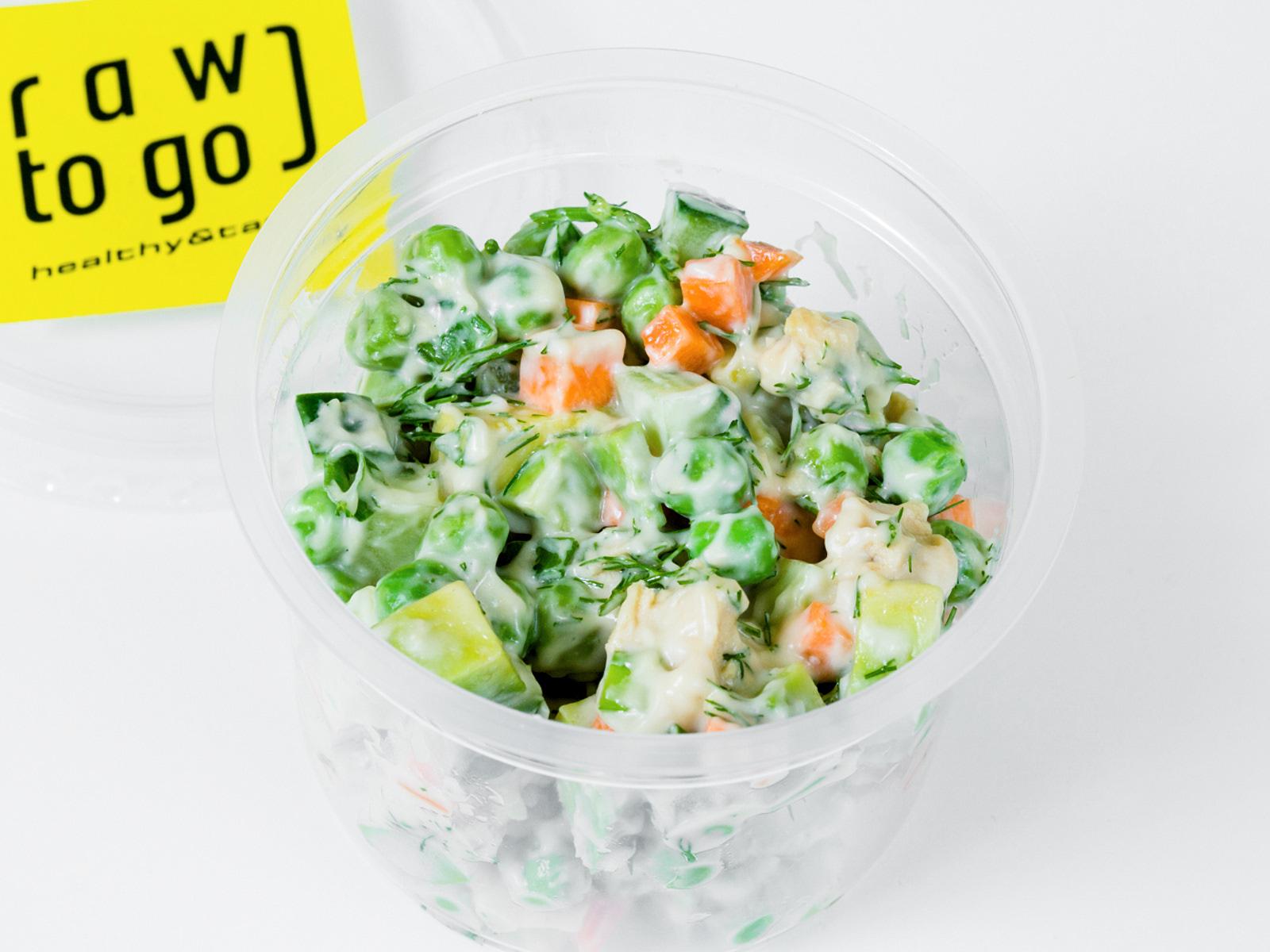 Сыроедческий салат Оливье