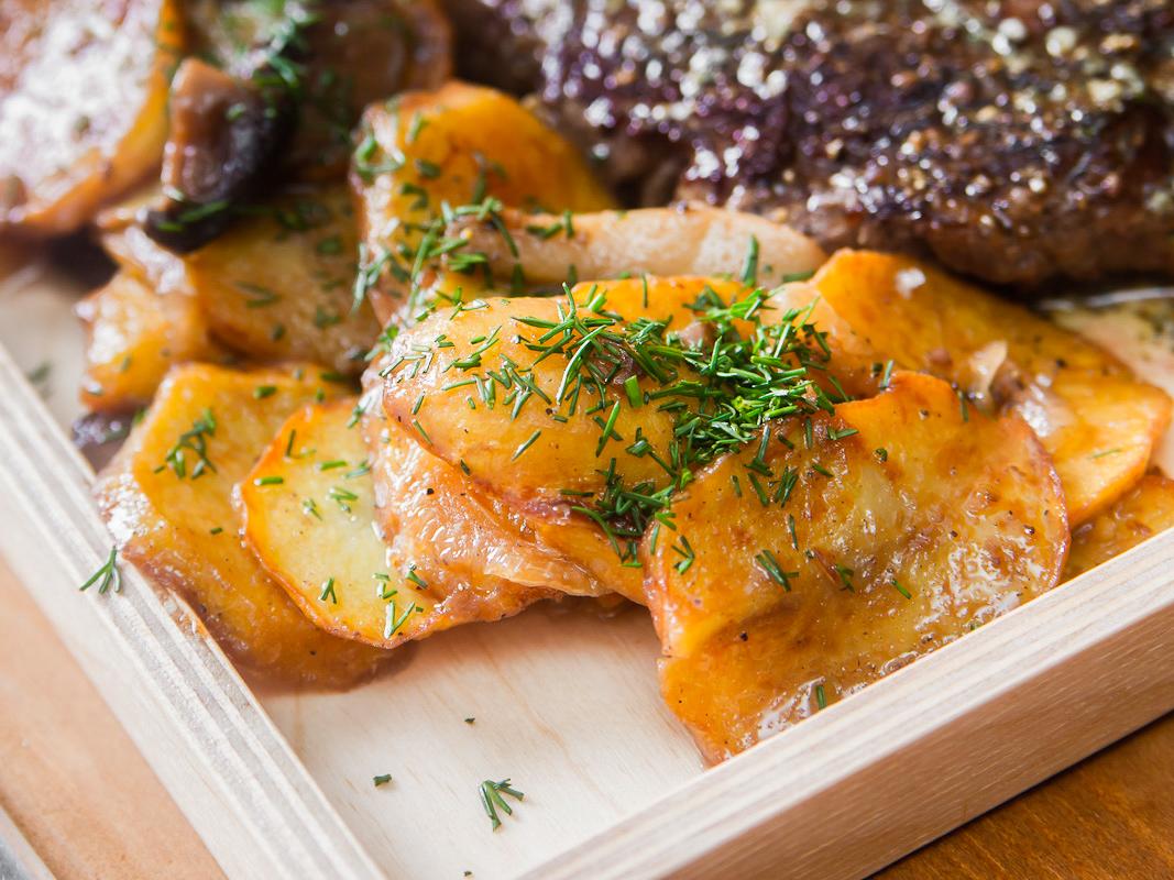 Жаренный картофель по-домашнему