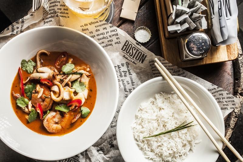 Карри с морепродуктами и рисом басмати