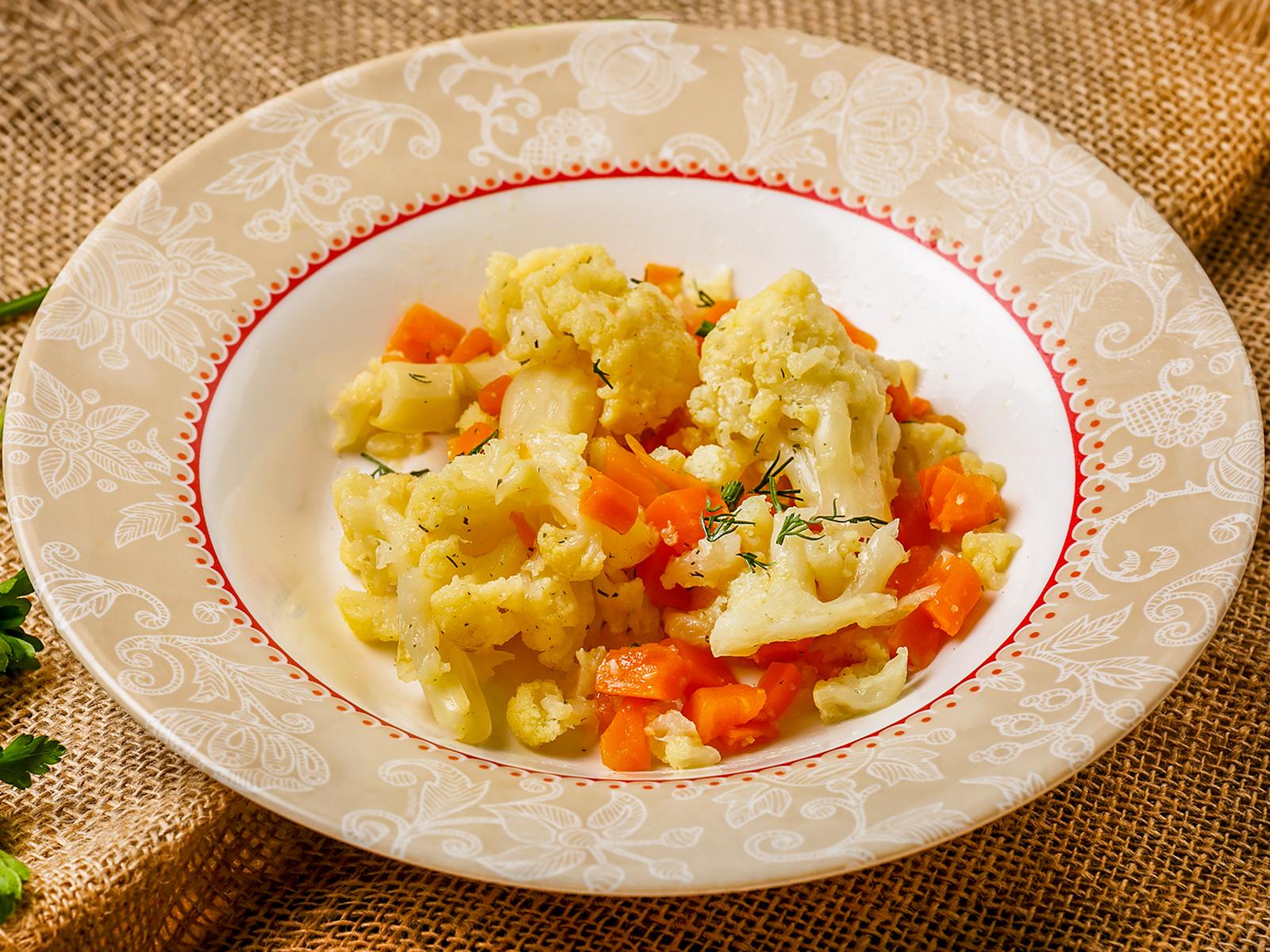 Цветная капуста паровая с овощами