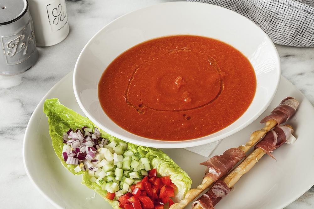 Суп Гаспачо с овощным крудите