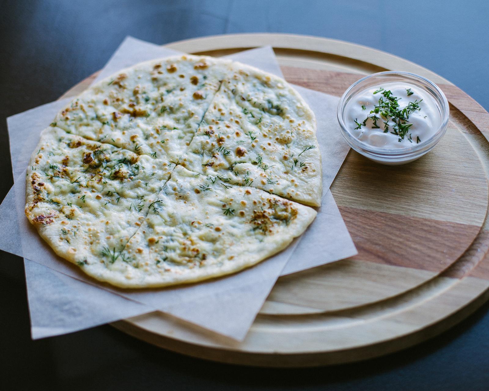 Хычин с сыром и зеленью