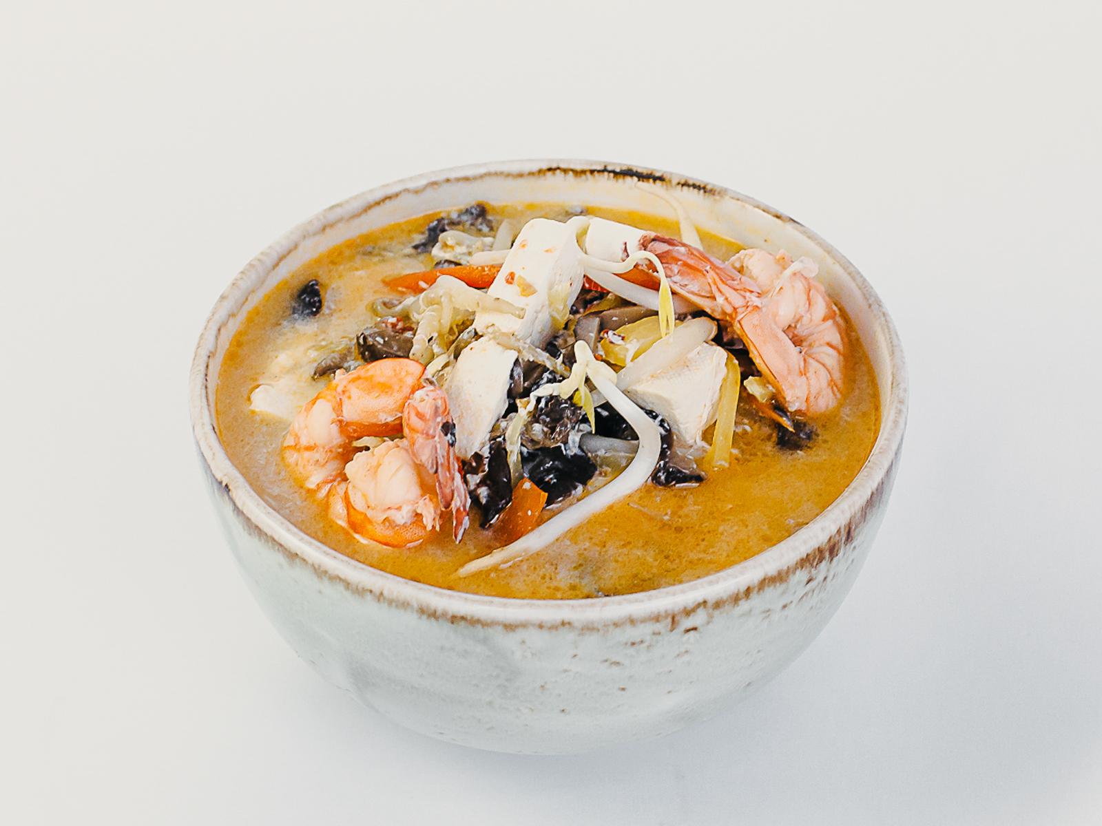 Кисло-острый суп с тофу и креветками