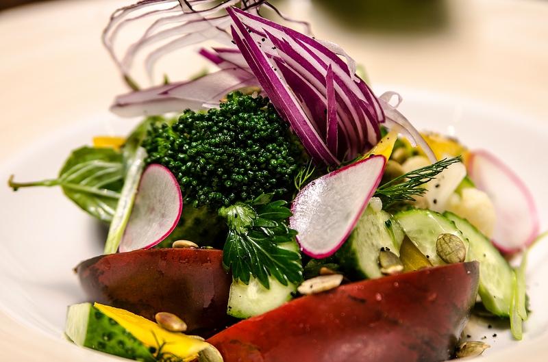 Деревенский овощной салат