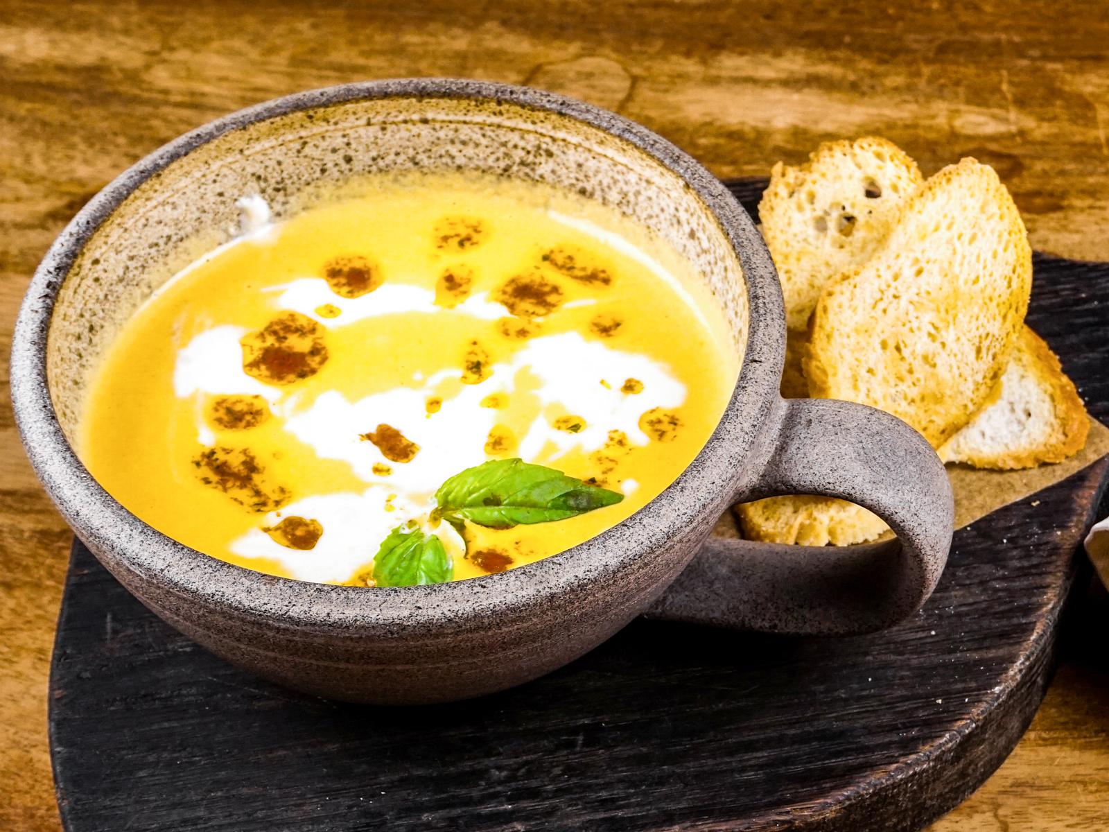 Сырный суп со страчателлой
