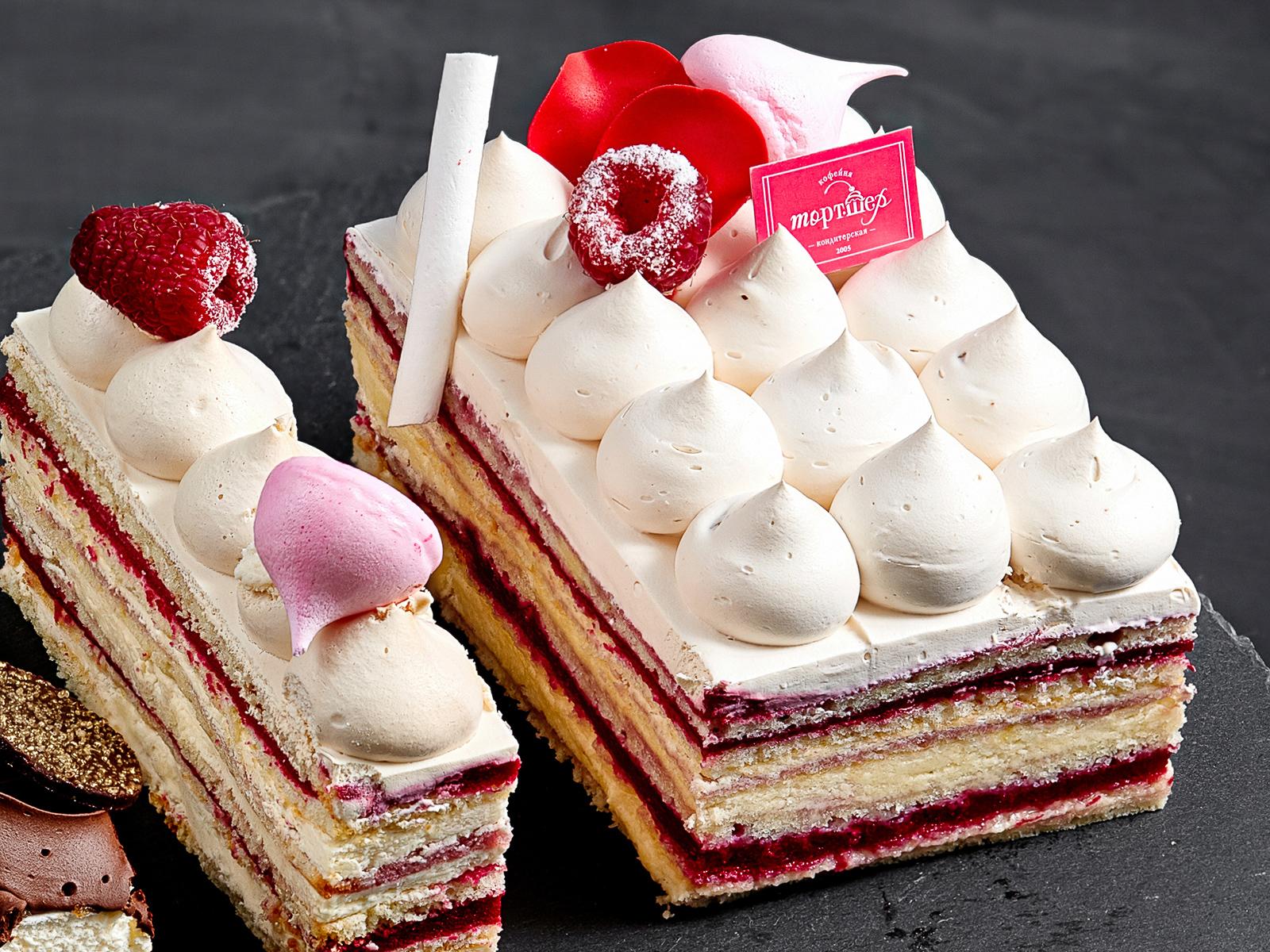 Кусок торта Малиновая опера
