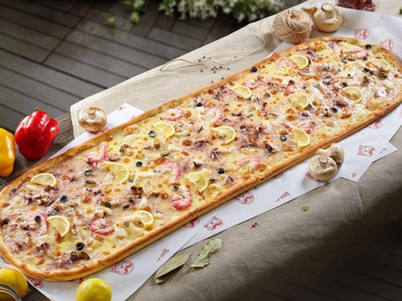 Метровая пицца Дары моря