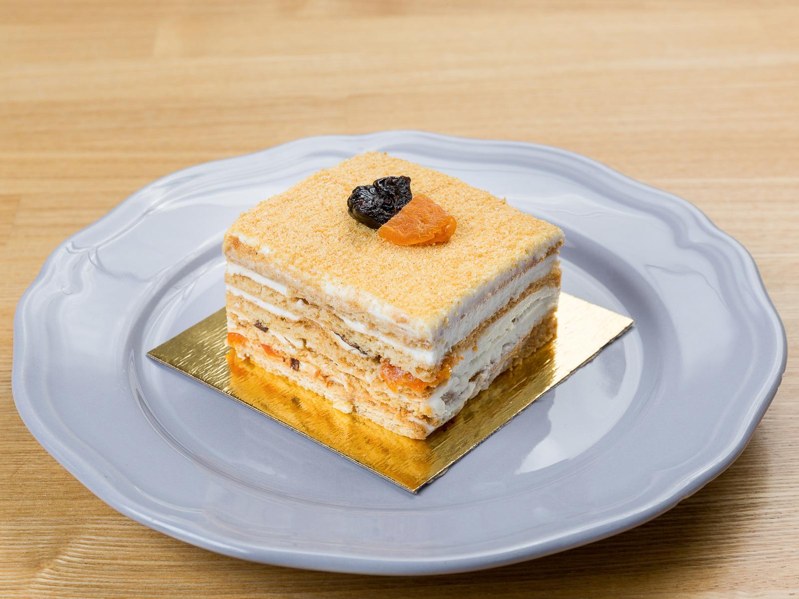 Пирожное Медово-сметанное