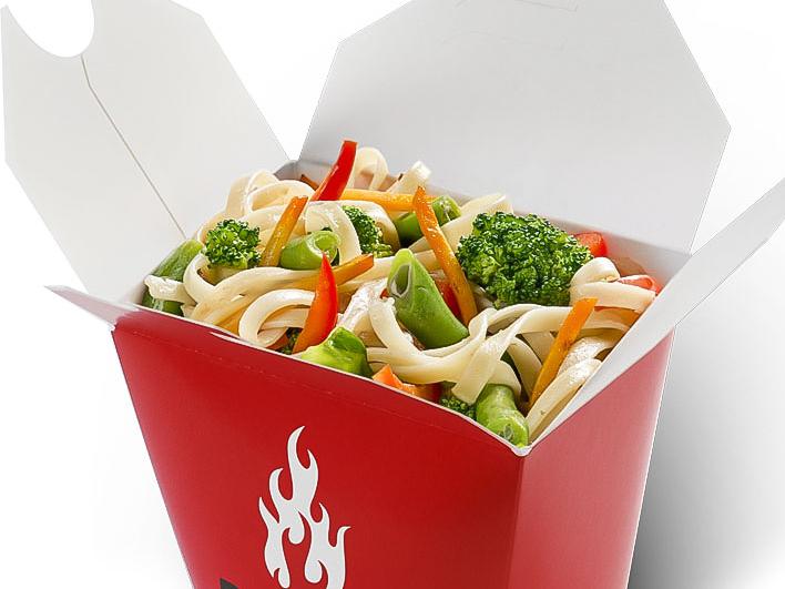 Стеклянная лапша с овощами в соусе терияки