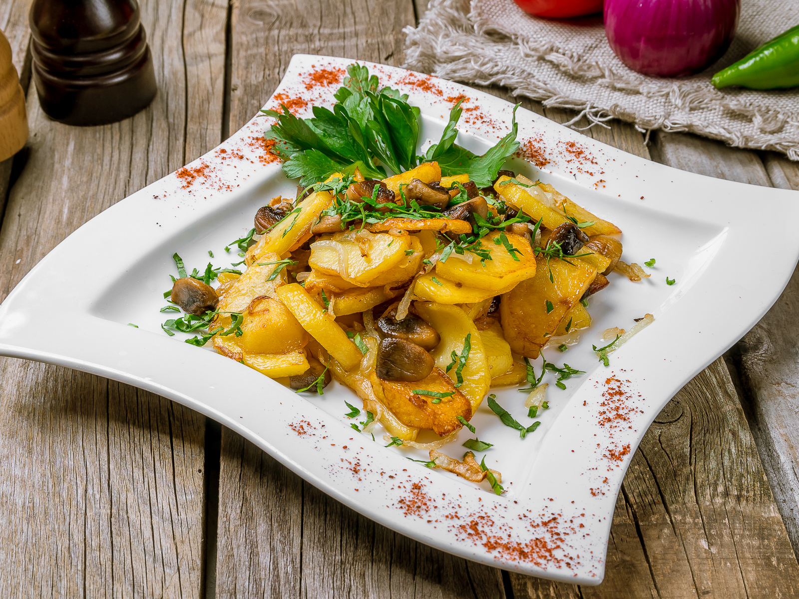 Грибы жареные с картошкой и луком