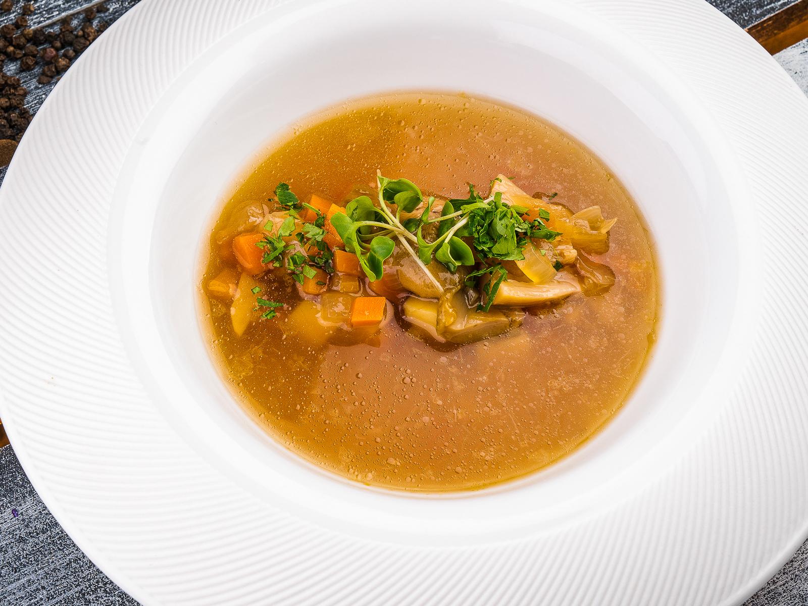 Фермерский суп с белыми грибами