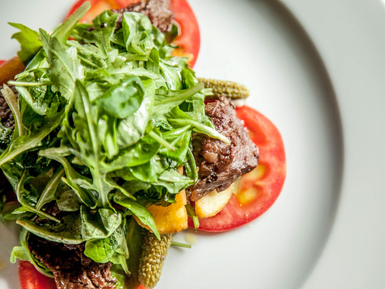 Стейк-салат с горчичной заправкой