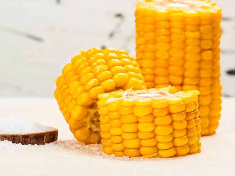 Кукуруза в початках
