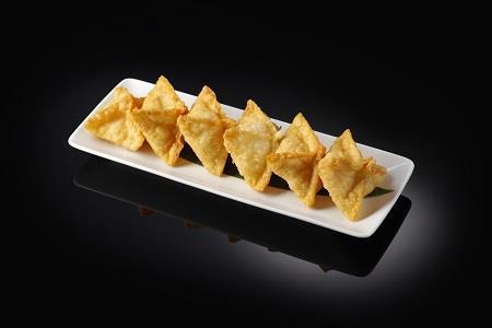 Жареные вонтоны с крабом и сливочным сыром (140/30 гр)