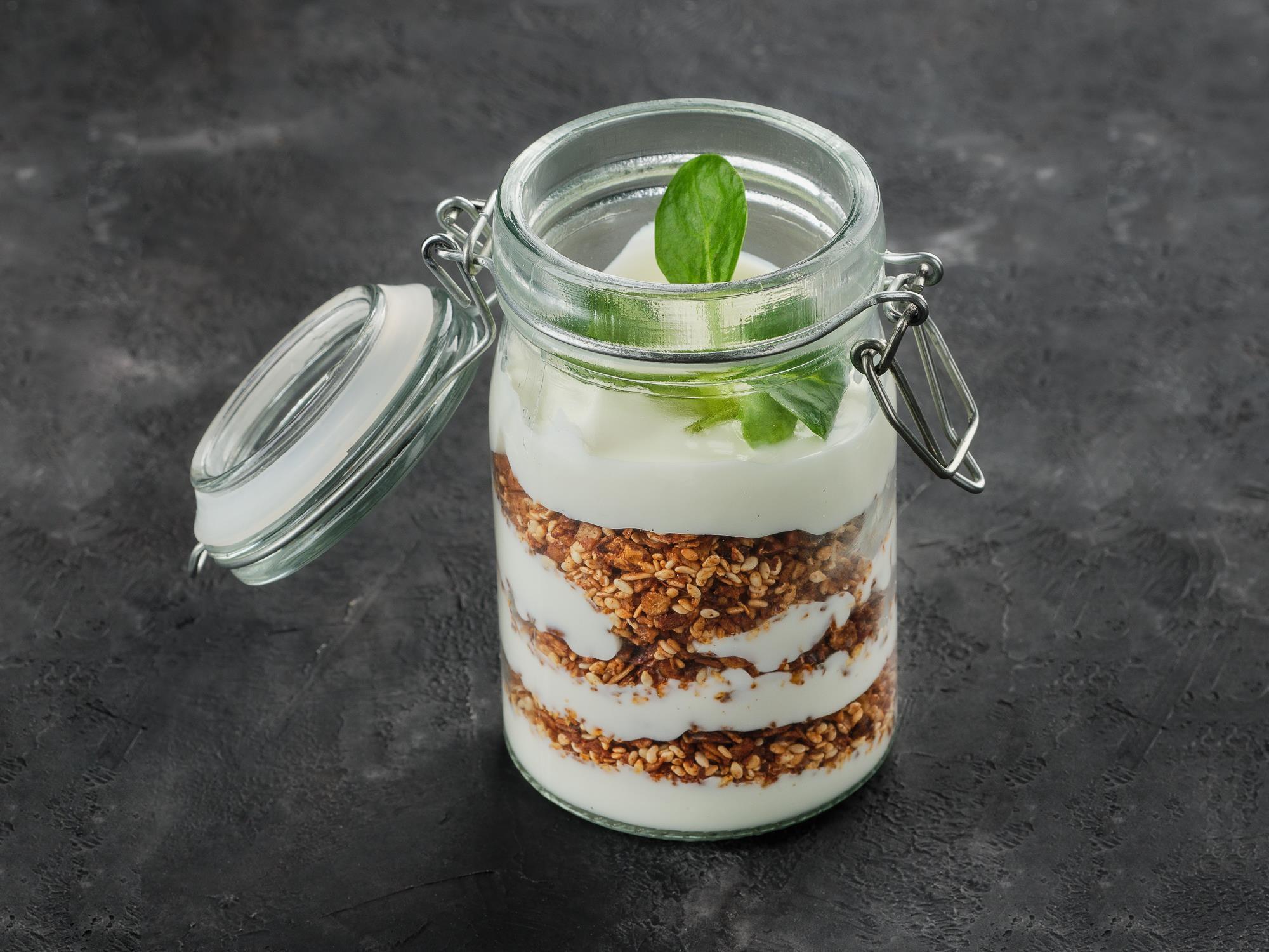 Гранола овсяная с йогуртом