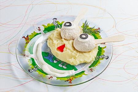 Фрикадельки из индейки на пару с картофельным пюре