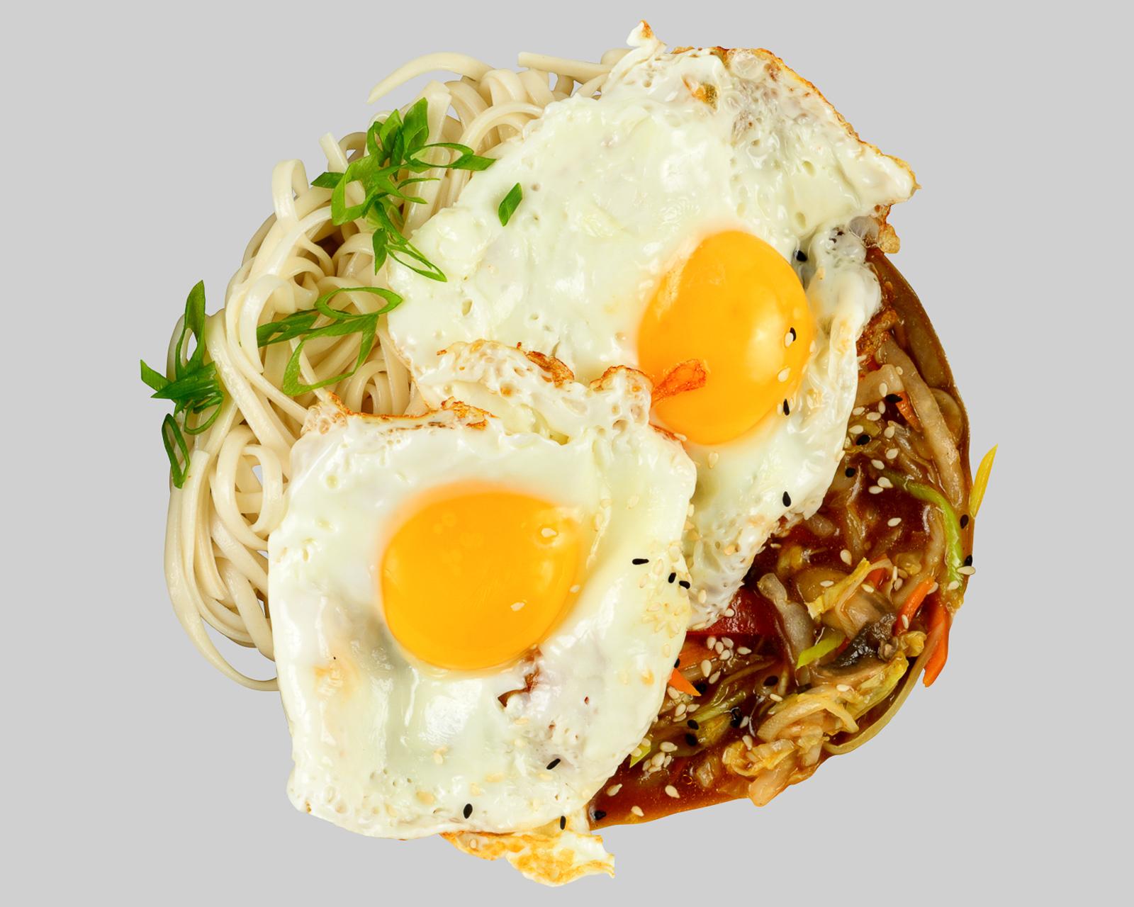 Вок с яйцом