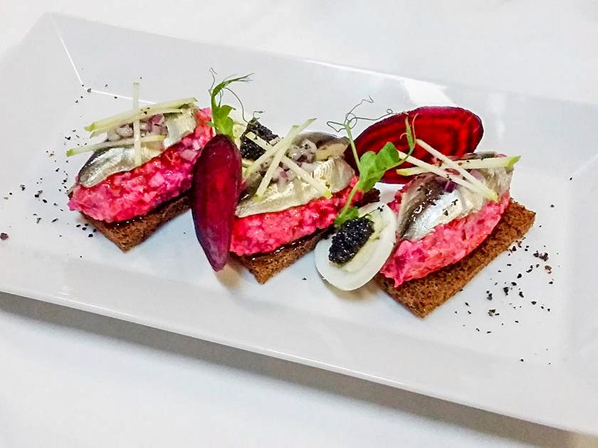 Салат из филе сельди под шубой