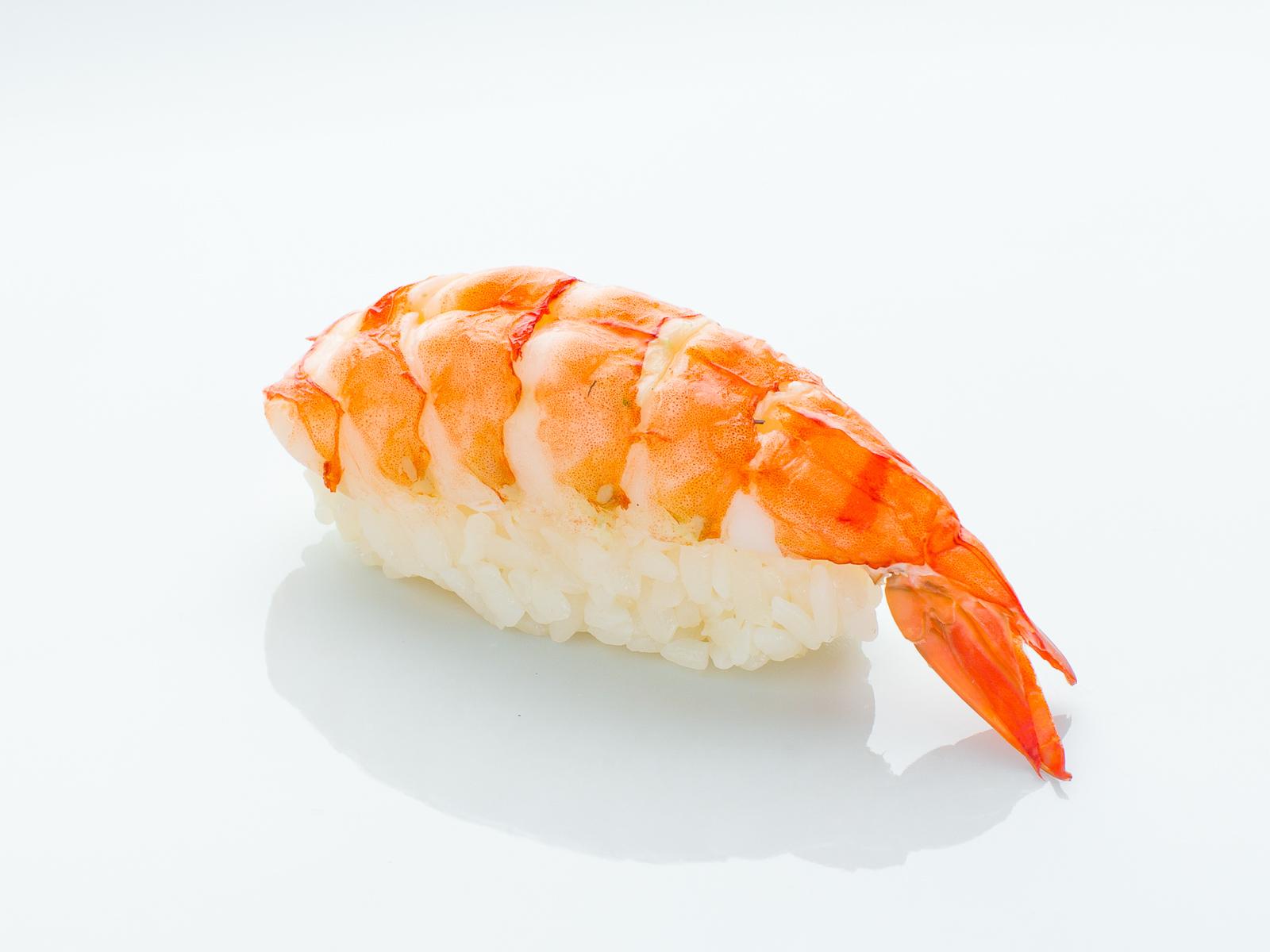 Суши с варёной креветкой