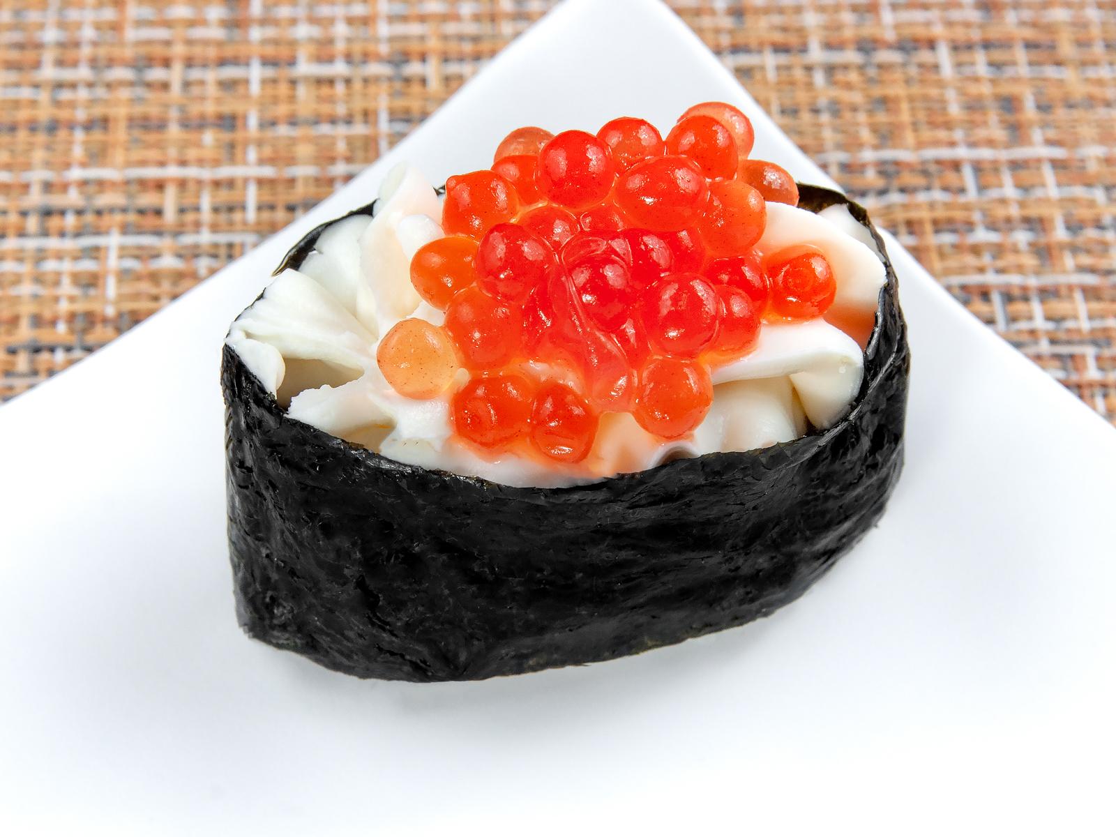Суши Чизу укура нигири