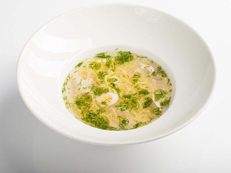 Суп-лапша Домашний с курицей и перепелиным яйцом