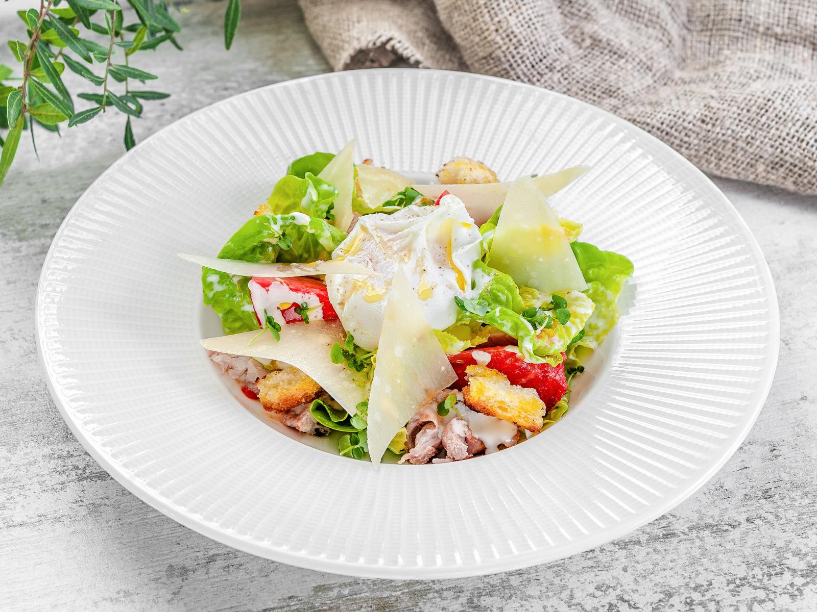 Салат с цыпленком на гриле