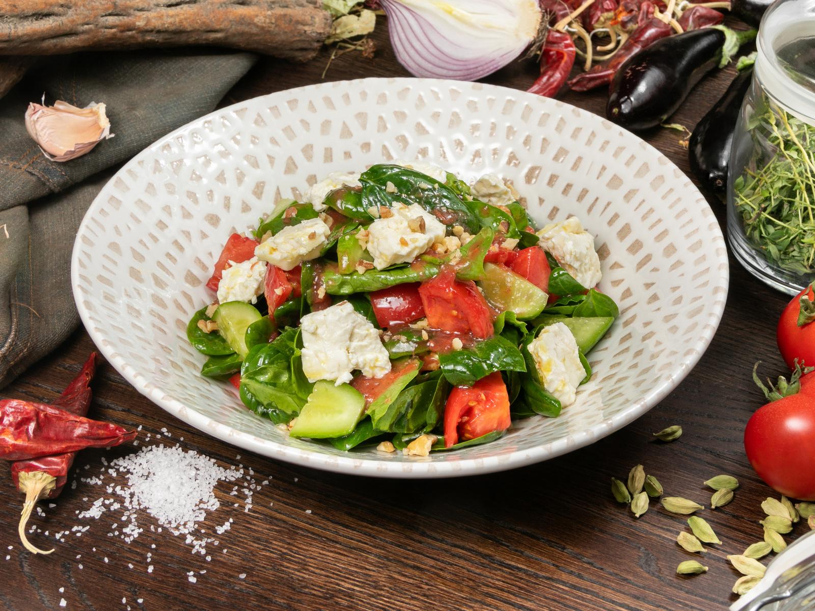 Салат Алмаз со шпинатом