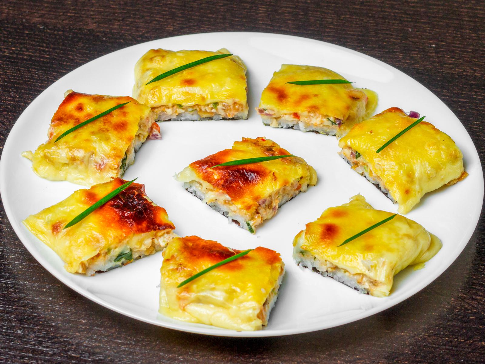 Ролл Суши-пицца с курицей и грибами