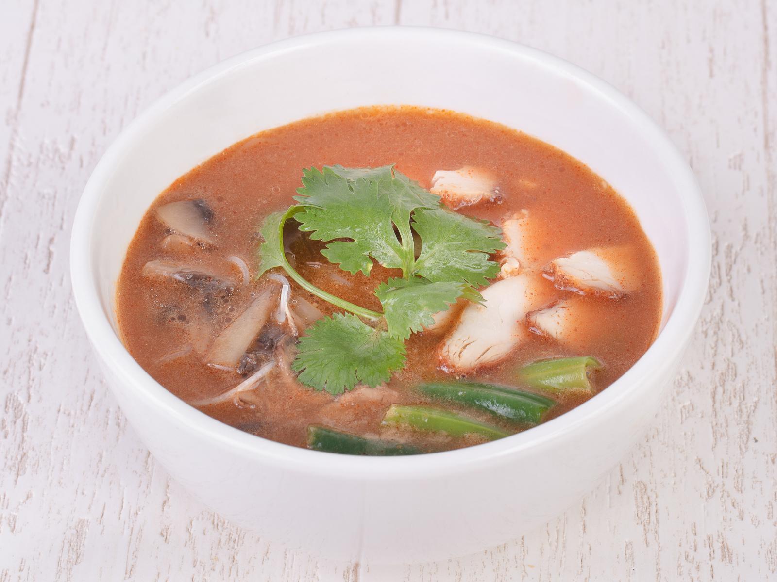 Суп Том Ям с курицей