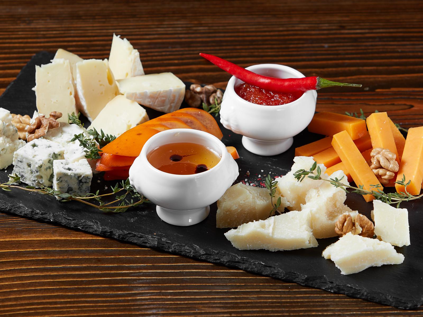 Ассорти сыров к вину
