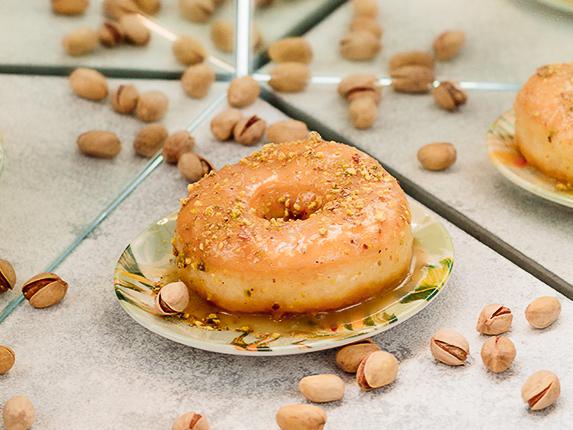 Пончик Фисташковый с начинкой