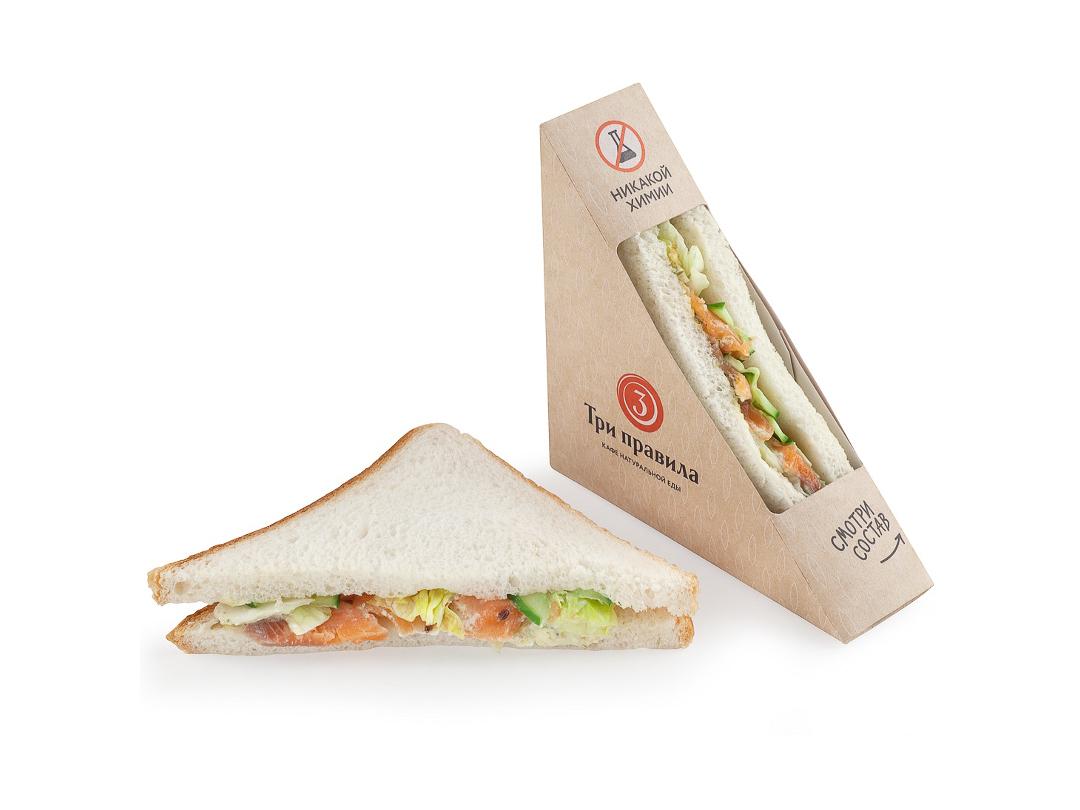 Сэндвич с лососем и огурцами