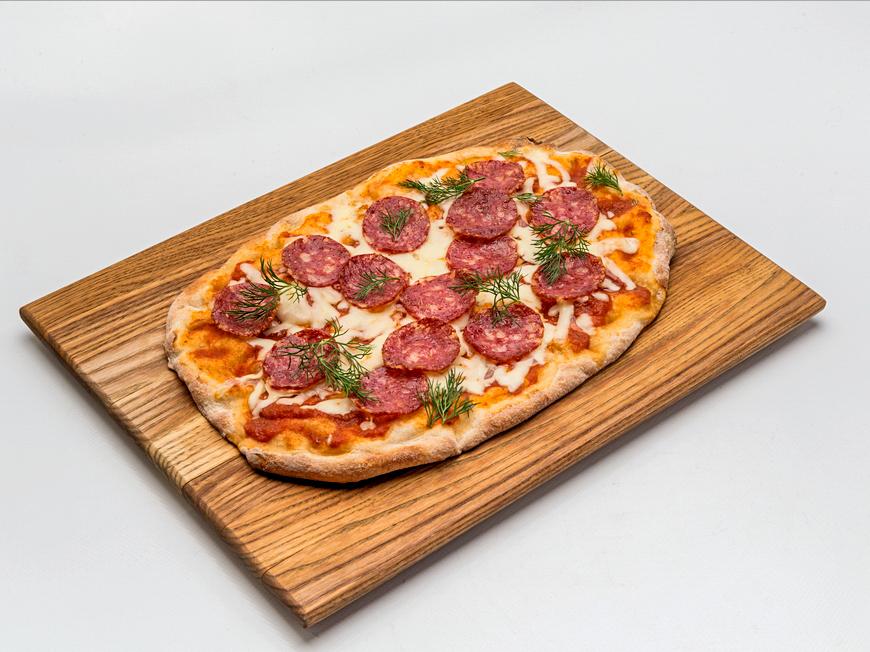 Римская пицца с пепперони и сливочным сыром