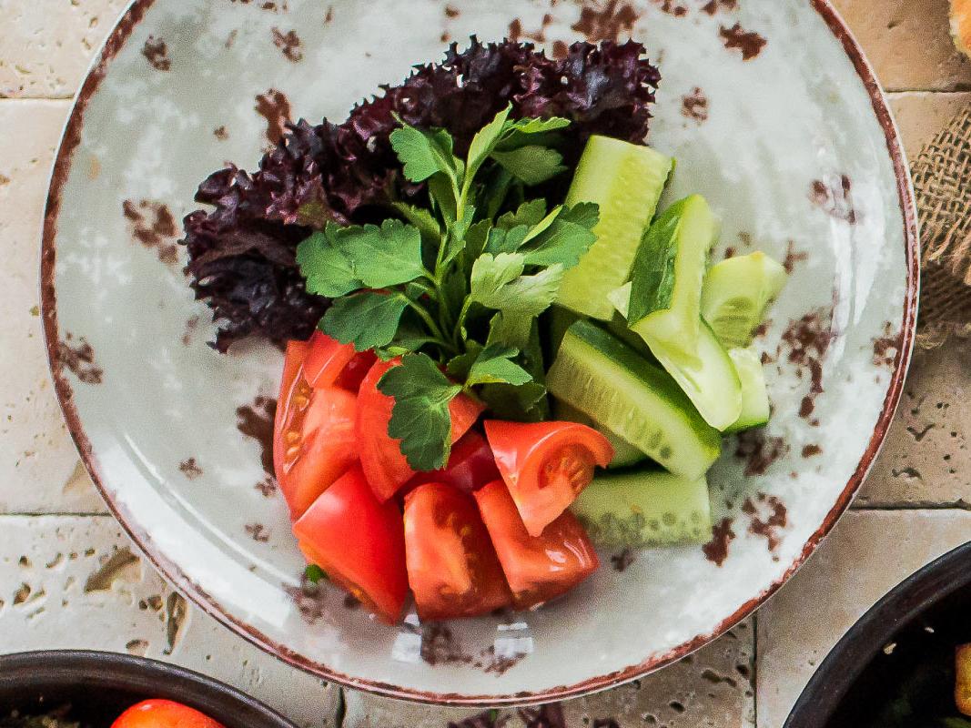 Сезонные свежие овощи