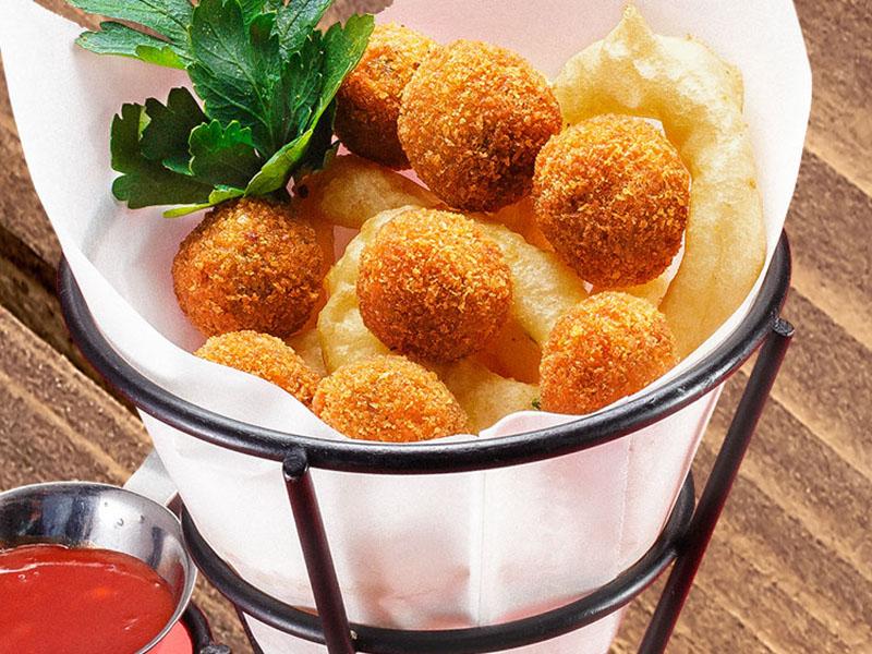 Сырные шарики и луковые кольца