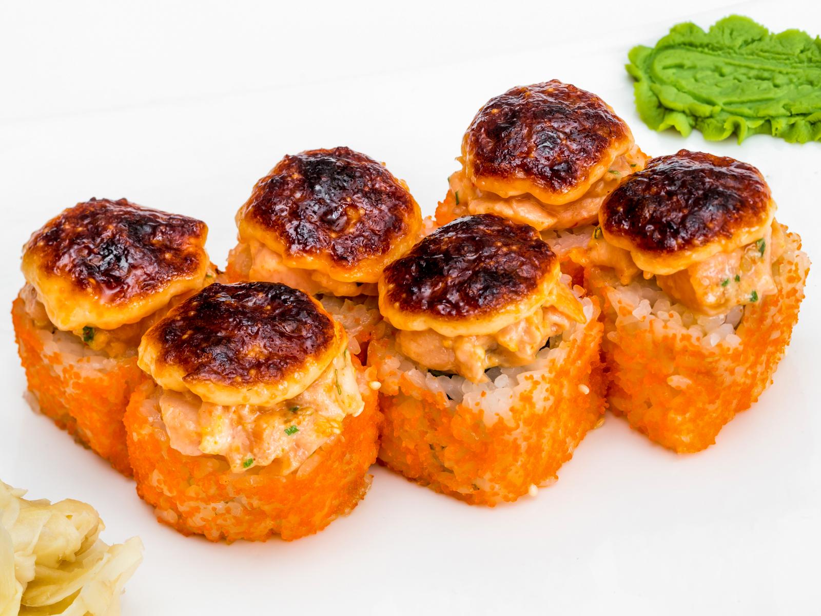 Запеченный ролл с лососем