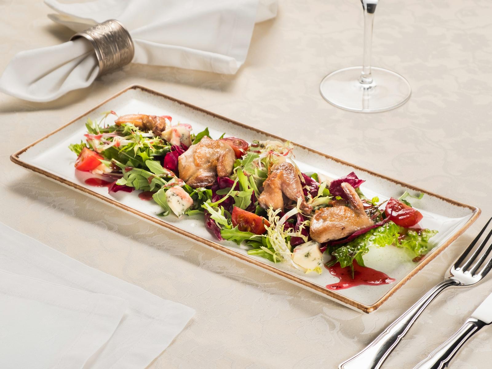 Салат с перепелкой