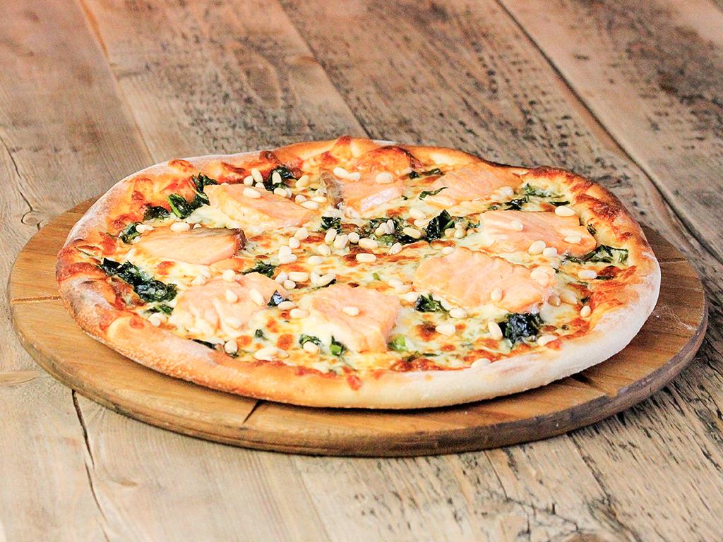 Пицца Семга со шпинатом